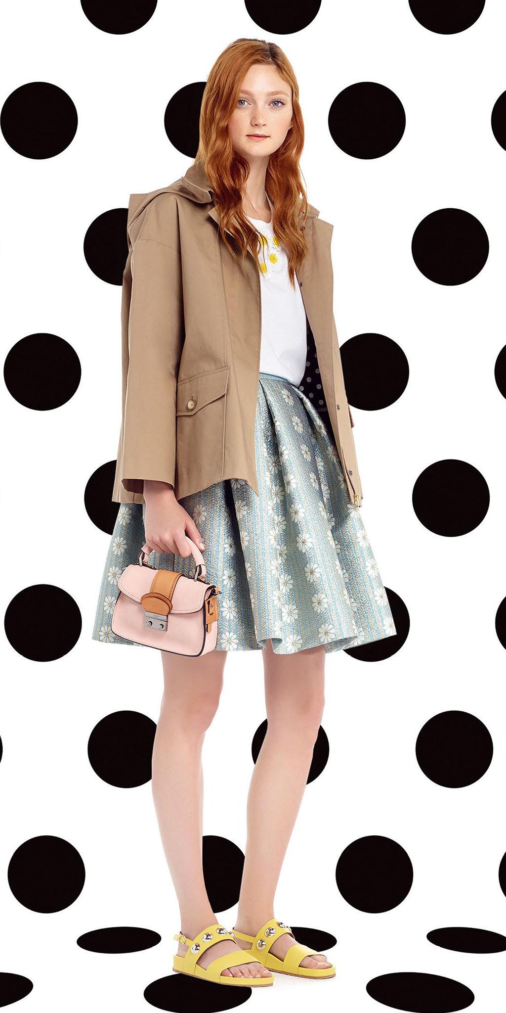 blue-light-mini-skirt-white-tee-yellow-shoe-sandals-pink-bag-tan-jacket-trench-spring-summer-hairr-lunch.jpg