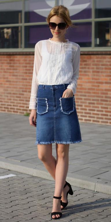 blue-med-mini-skirt-denim-white-top-blouse-sun-black-shoe-sandalh-blonde-spring-summer-lunch.jpg