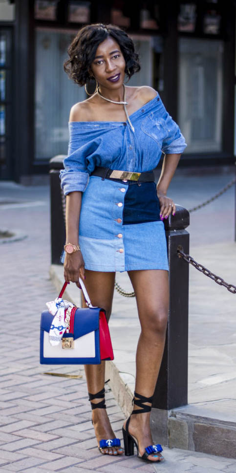 blue-med-mini-skirt-blue-med-top-chambray-belt-necklace-blue-bag-black-shoe-sandalh-spring-summer-brun-lunch.jpg