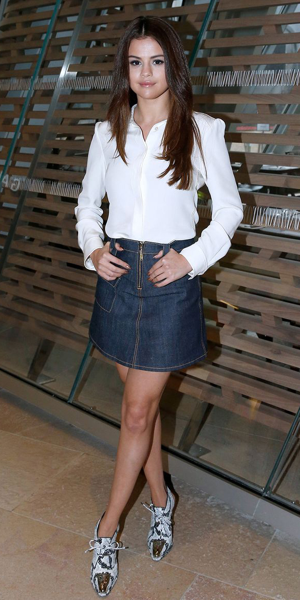 blue-navy-mini-skirt-white-top-blouse-white-shoe-booties-selenagomez-paris-france-wear-style-fashion-spring-summer-jean-brun-classic-lunch.jpg