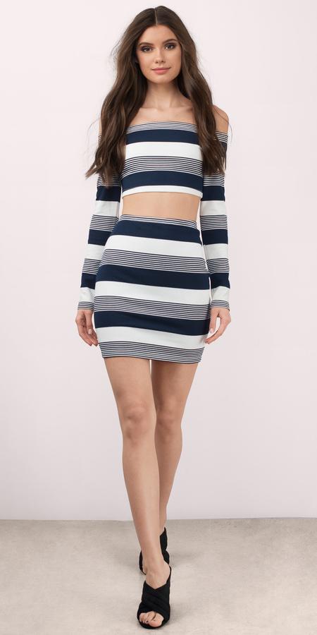 blue-navy-mini-skirt-stripe-print-twopiece-matchset-blue-navy-crop-top-spring-summer-brun-dinner.jpg
