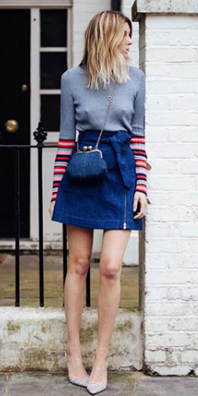 blue-navy-mini-skirt-grayl-sweater-blue-bag-white-shoe-pumps-fall-winter-blonde-lunch.jpg