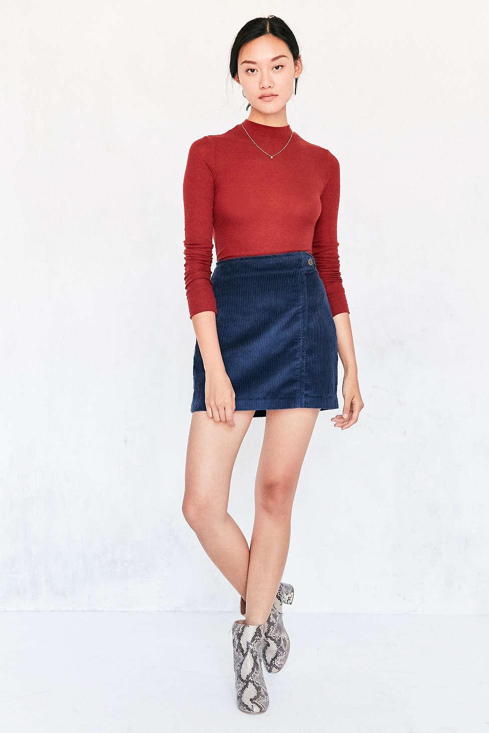 blue-navy-mini-skirt-red-sweater-wear-style-fashion-fall-winter-white-shoe-booties-necklace-bun-snakeskin-brun-lunch.jpg