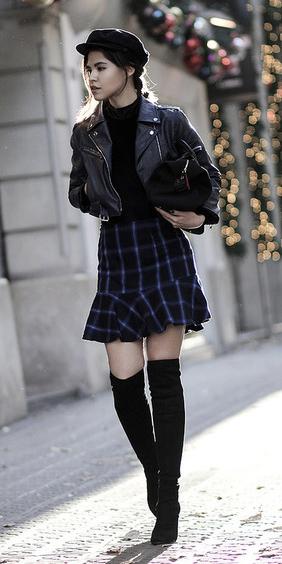blue-navy-mini-skirt-black-sweater-black-jacket-moto-black-bag-hat-newsboycap-pony-black-shoe-boots-otk-plaid-fall-winter-hairr-lunch.jpg
