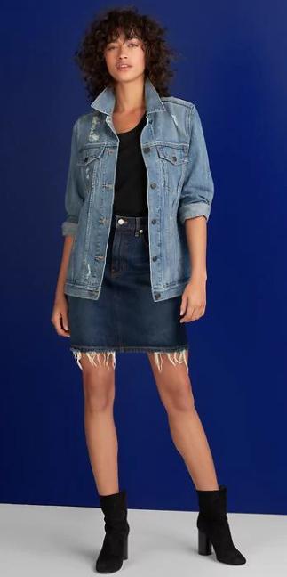 blue-navy-mini-skirt-black-tee-blue-light-jacket-jean-black-shoe-booties-howtowear-fall-winter-brun-lunch.jpg