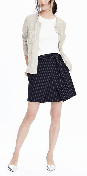 blue-navy-mini-skirt-white-tee-grayl-cardigan-wear-style-fashion-fall-winter-gray-shoe-pumps-metallic-pinstripes-work.jpg