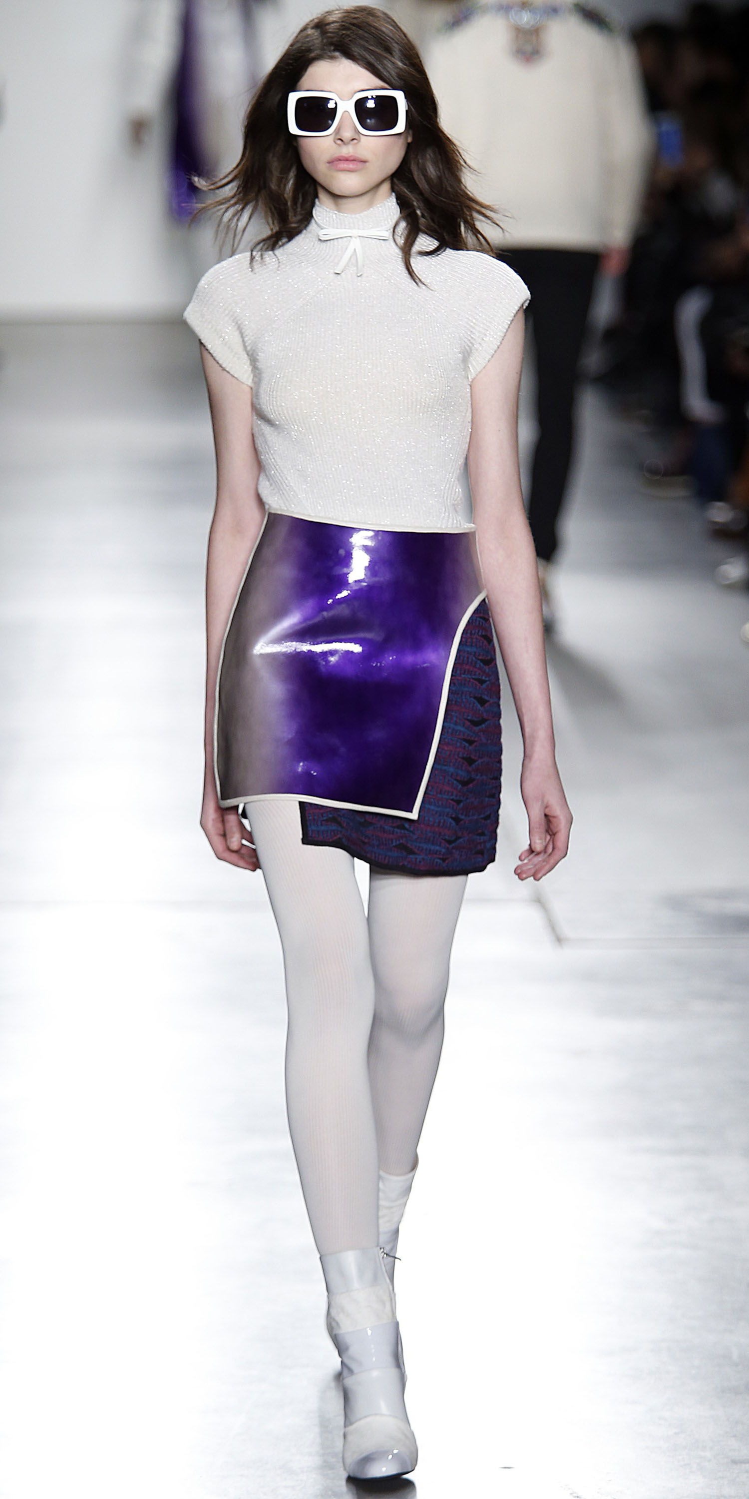 purple-royal-mini-skirt-white-top-sun-white-tights-white-shoe-booties-spring-summer-brun-lunch.jpg