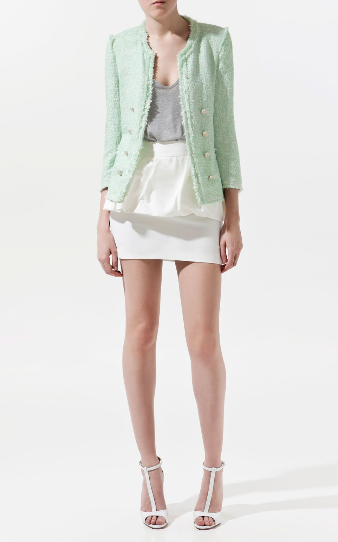 white-mini-skirt-grayl-top-tank-white-shoe-sandalh-green-light-jacket-lady-spring-summer-lunch.jpg