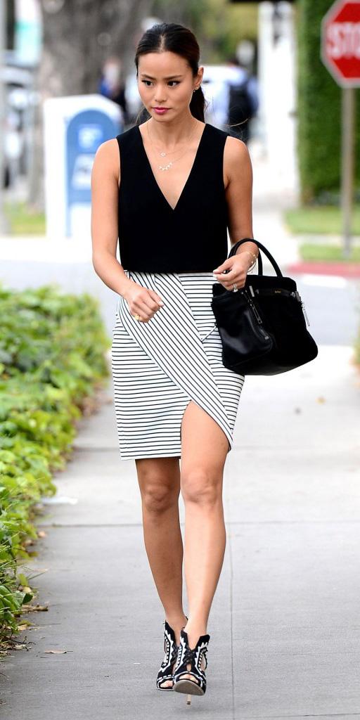 white-mini-skirt-black-top-jamiechung-asymmetric-wear-style-fashion-spring-summer-black-bag-black-shoe-sandalh-pony-necklace-brun-lunch.jpg