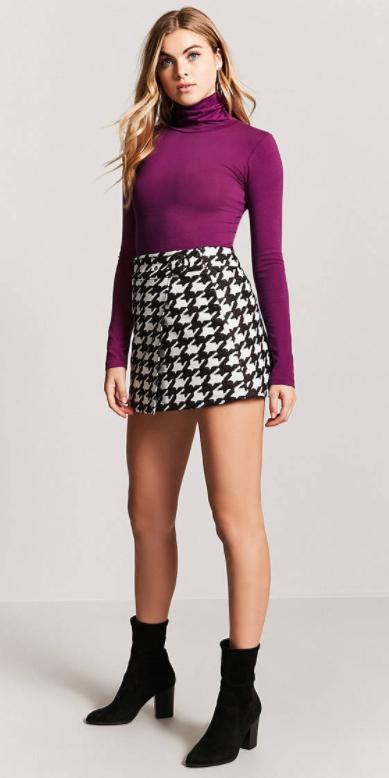 white-mini-skirt-houndstooth-print-purple-royal-tee-turtleneck-black-shoe-sandalh-fall-winter-blonde-lunch.jpg