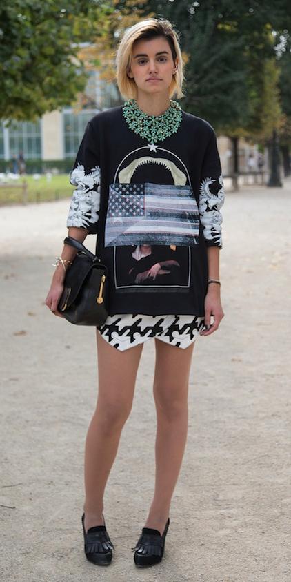 white-mini-skirt-houndstooth-print-black-sweater-sweatshirt-graphic-necklace-bob-blonde-black-bag-black-shoe-pumps-fall-winter-lunch.jpg