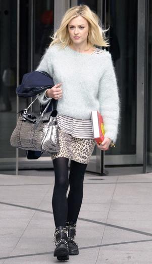 white-mini-skirt-white-sweater-fuzzy-wear-style-fashion-fall-winter-leopard-black-tights-black-shoe-booties-gray-bag-blonde-lunch.jpg