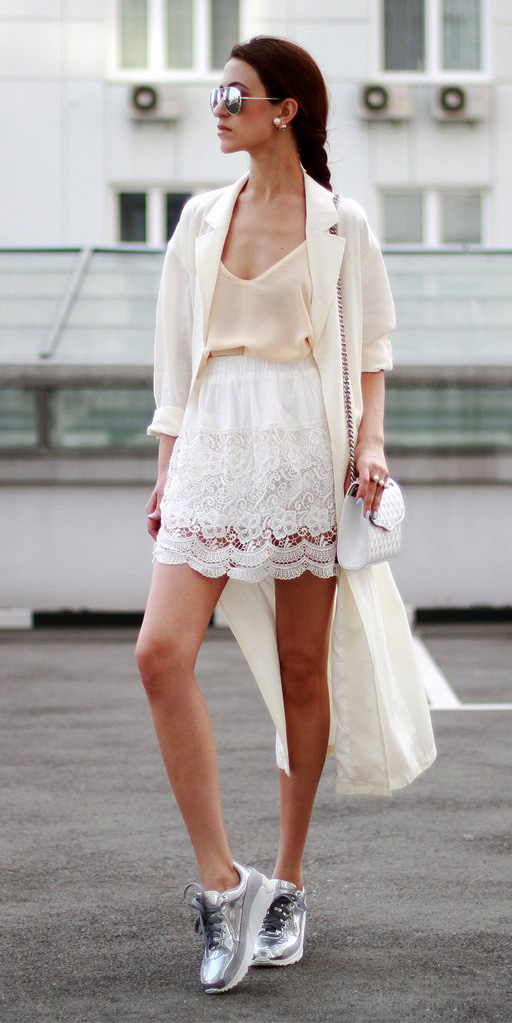 white-mini-skirt-lace-grayl-shoe-sneakers-metallic-braid-sun-hairr-mono-white-bag-white-cami-white-jacket-coat-trench-spring-summer-lunch.jpg