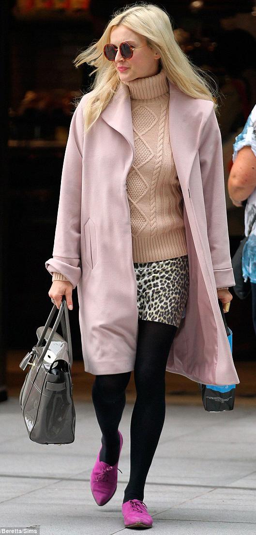 white-mini-skirt-tan-sweater-turtleneck-leopard-print-pink-jacket-coat-black-tights-magenta-shoe-brogues-gray-bag-fearnecotton-fall-winter-blonde-lunch.jpg