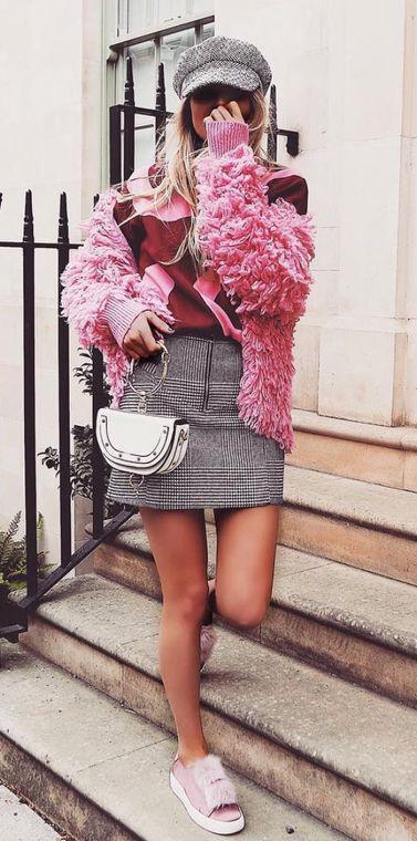 grayl-mini-skirt-white-bag-pink-light-jacket-fur-burgundy-sweater-sweatshirt-hat-blonde-pink-shoe-sneakers-fall-winter-weekend.jpg