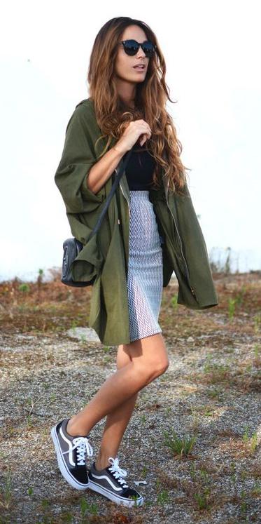 grayl-mini-skirt-black-tee-sun-wear-style-fashion-fall-winter-green-olive-jacket-black-shoe-sneakers-hairr-weekend.jpg
