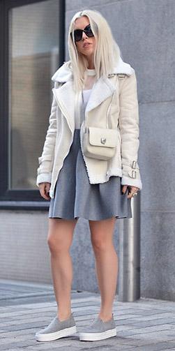 grayl-mini-skirt-gray-shoe-sneakers-sun-white-bag-white-top-shearling-white-jacket-moto-spring-summer-blonde-lunch.jpg