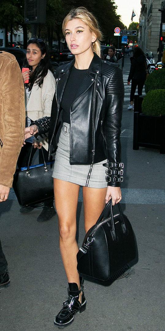 grayl-mini-skirt-black-tee-black-jacket-moto-pony-black-bag-black-shoe-booties-howtowear-fashion-style-outfit-spring-summer-blonde-lunch.jpg