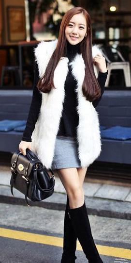 grayl-mini-skirt-black-sweater-turtleneck-white-vest-fur-brun-black-bag-black-shoe-boots-fall-winter-lunch.jpg