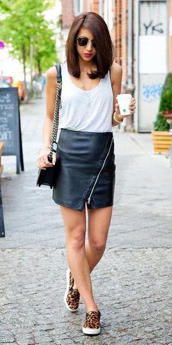 black-mini-skirt-white-tank-brun-sun-black-bag-cognac-shoe-sneakers-leopard-print-spring-summer-weekend.jpg