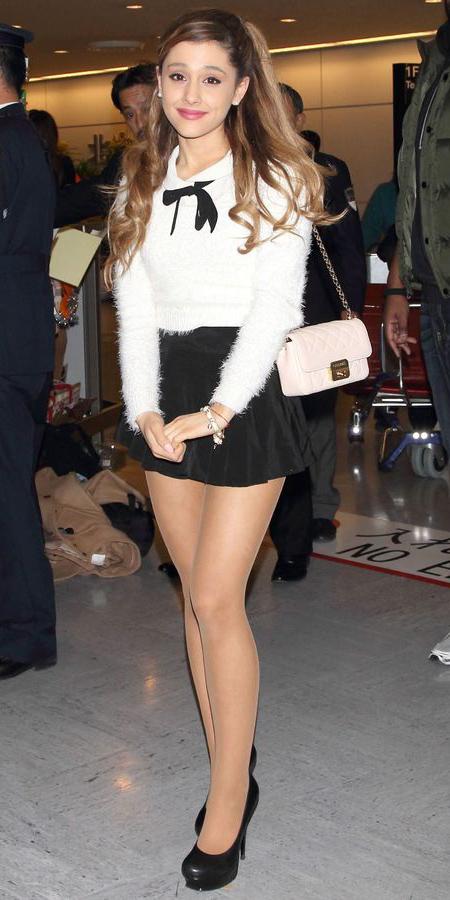 black-mini-skirt-white-sweater-white-bag-hairr-black-shoe-pumps-arianagrande-spring-summer-dinner.jpg