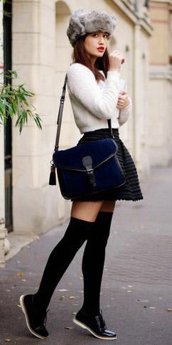 black-mini-skirt-white-sweater-blue-bag-hat-socks-black-shoe-brogues-fall-winter-hairr-weekend.jpg