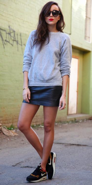 black-mini-skirt-leather-grayl-sweater-sweatshirt-sun-black-shoe-sneakers-fall-winter-brun-weekend.jpg