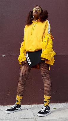 black-mini-skirts-socks-black-shoe-sneakers-black-tights-yellow-sweater-sweatshirt-hoodie-brun-sun-fall-winter-weekend.jpg
