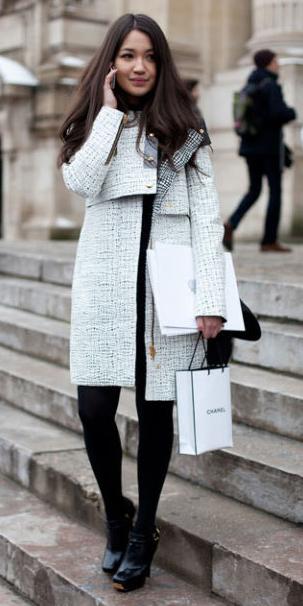 black-mini-skirt-black-sweater-turtleneck-white-jacket-coat-wear-style-fashion-fall-winter-black-tights-black-shoe-booties-brun-lunch.jpg