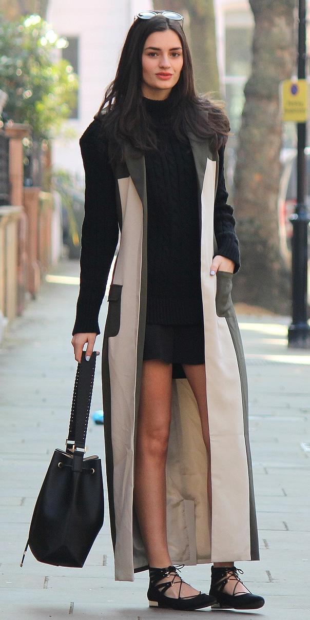 black-mini-skirt-black-sweater-turtleneck-brun-black-bag-black-shoe-flats-tan-vest-tailor-maxi-colorblock-fall-winter-lunch.JPG