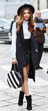 black-mini-skirt-feather-white-tee-turtleneck-black-vest-trench-hat-hairr-white-bag-stripe-black-shoe-booties-italy-milan-larisacostea-howtowear-fashion-style-outfit-fall-winter-lunch.jpg