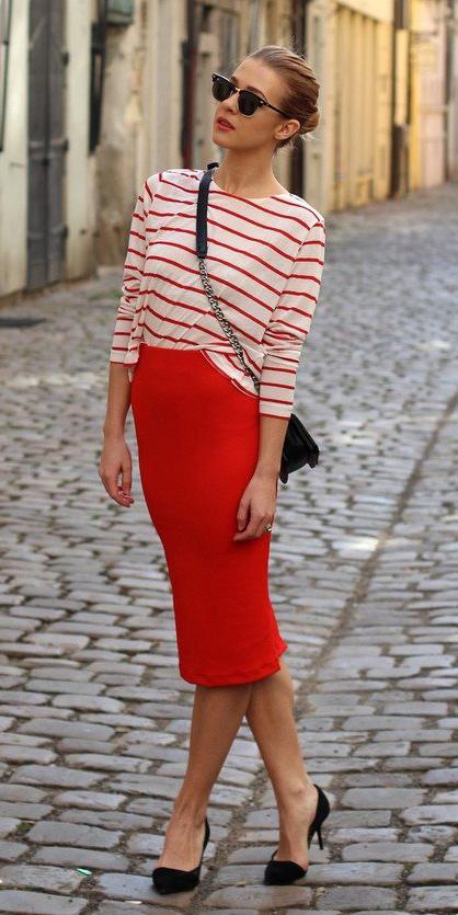 red-pencil-skirt-red-tee-stripe-black-bag-sun-bun-black-shoe-pumps-fall-winter-blonde-lunch.jpg