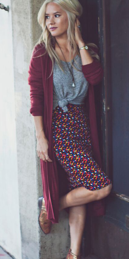 burgundy-pencil-skirt-grayl-tee-burgundy-cardiganl-blonde-cognac-shoe-booties-fall-winter-weekend.jpg