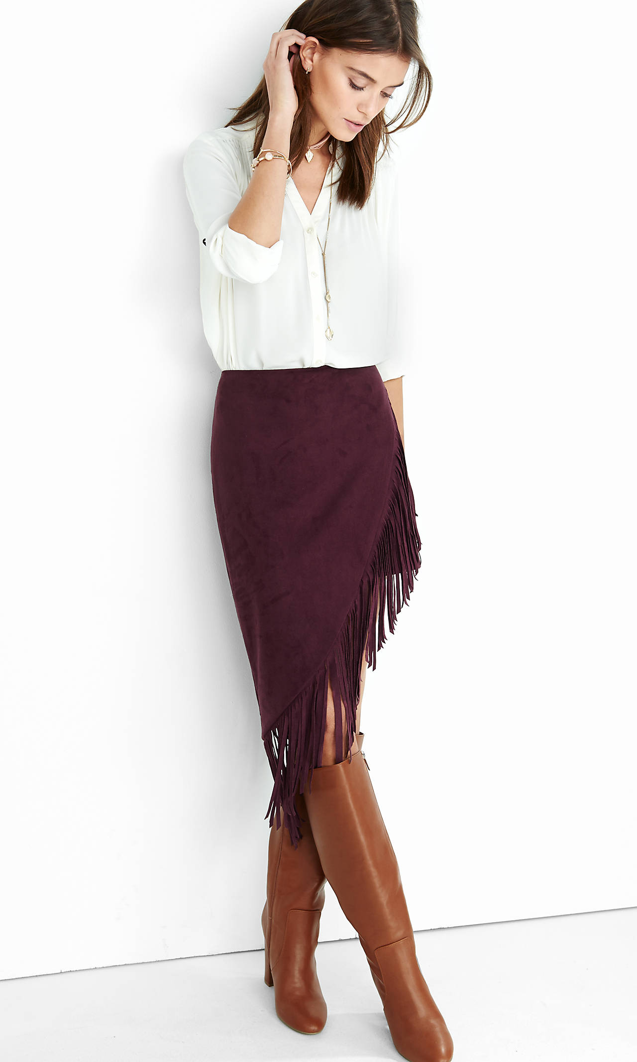 burgundy-pencil-skirt-fringe-cognac-shoe-boots-white-top-blouse-hairr-necklace-fall-winter-lunch.jpg