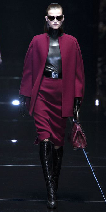 burgundy-pencil-skirt-belt-pony-sun-burgundy-bag-gloves-black-shoe-boots-burgundy-jacket-coat-fall-winter-brun-dinner.jpg