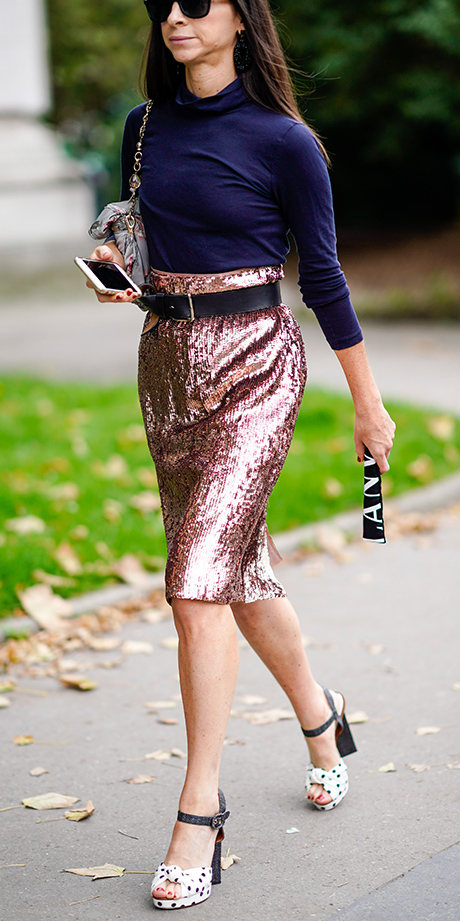 pink-light-pencil-skirt-nye-sequin-belt-blue-navy-tee-turtleneck-white-shoe-sandalh-fall-winter-dinner.jpg
