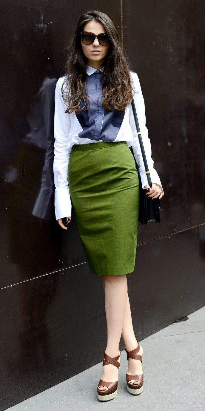 c5f118ace2e417 green-olive-pencil-skirt-white-collared-shirt-sun-