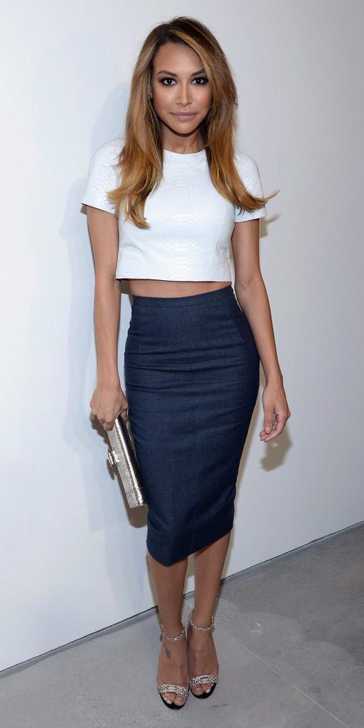 blue-navy-pencil-skirt-white-crop-top-white-shoe-sandalh-spring-summer-hairr-dinner.jpg