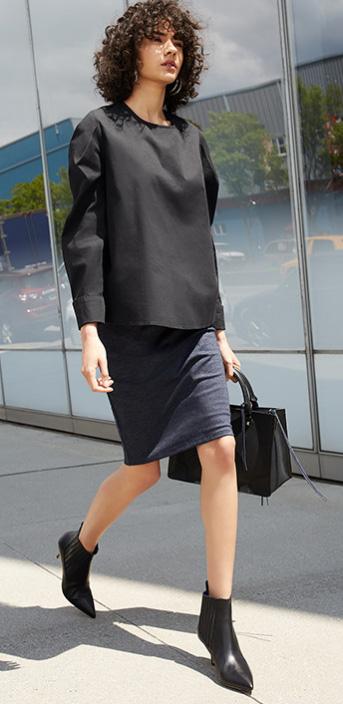 blue-navy-pencil-skirt-boxy-black-top-black-bag-black-shoe-booties-howtowear-fall-winter-brun-work.jpg