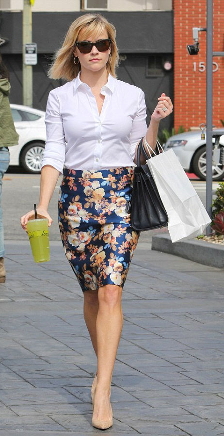 blue-navy-pencil-skirt-white-collared-shirt-sun-hoops-black-bag-howtowear-fashion-style-outfit-spring-summer-print-floral-tan-shoe-pumps-reesewitherspoon-blonde-work.jpg