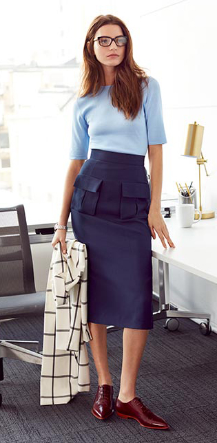 blue-navy-pencil-skirt-blue-light-sweater-white-jacket-print-howtowear-fashion-style-outfit-fall-winter-windowpane-high-waist-burgundy-shoe-brogues-office-brun-work.jpg