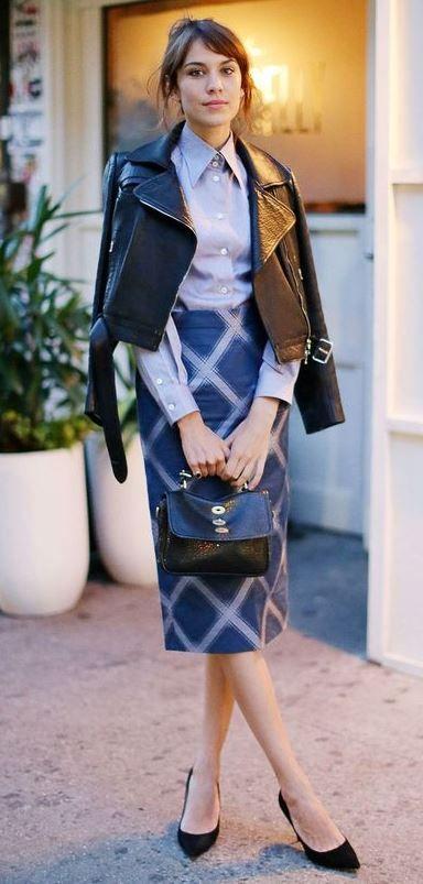 blue-navy-pencil-skirt-print-alexachung-brun-bun-black-jacket-moto-black-bag-black-shoe-pumps-fall-winter-dinner.jpg