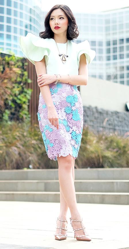 purple-light-pencil-skirt-lace-green-light-top-necklace-tan-shoe-pumps-spring-summer-brun-dinner.jpg