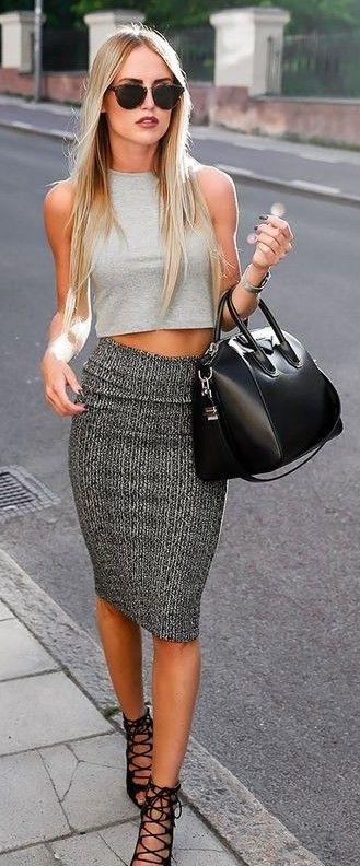grayd-pencil-skirt-grayl-top-crop-sun-black-bag-black-shoe-sandalh-howtowear-fashion-style-outfit-spring-summer-blonde-lunch.jpg