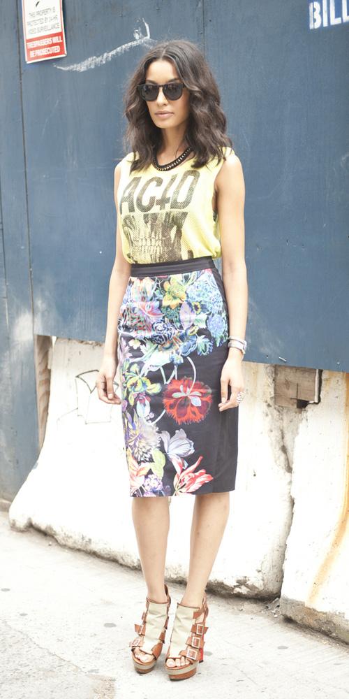 black-pencil-skirt-floral-print-yellow-graphic-tee-brun-spring-summer-lunch.jpg