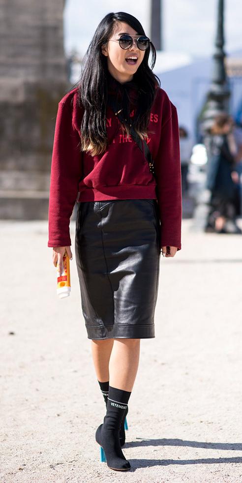 black-pencil-skirt-burgundy-sweater-sweatshirt-brun-sun-black-shoe-booties-fall-winter-lunch.jpg