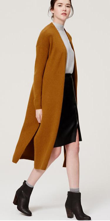 black-pencil-skirt-grayl-tee-bun-camel-cardiganl-duster-socks-howtowear-style-fashion-fall-winter-black-shoe-booties-brun-work.jpg