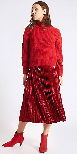 red-midi-skirt-red-sweater-turtleneck-mono-red-shoe-booties-fall-winter-hairr-dinner.jpg