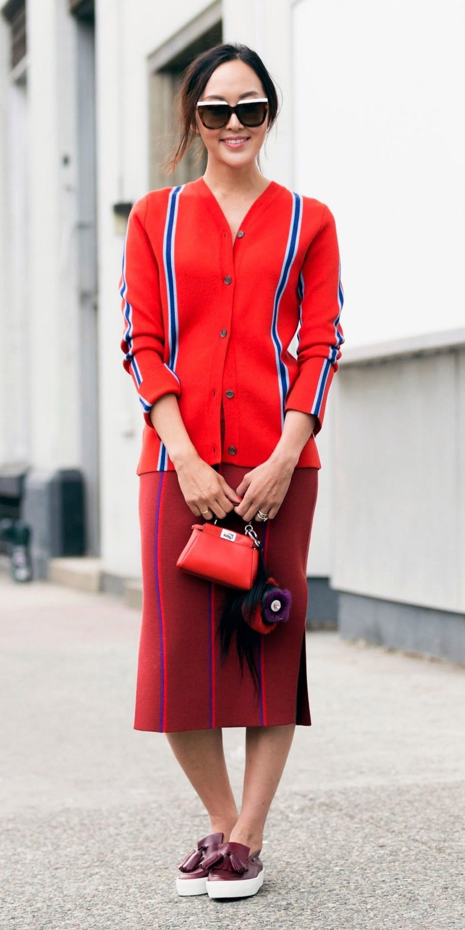 red-midi-skirt-red-cardigan-brun-pony-sun-red-bag-burgundy-shoe-flats-fall-winter-weekend.jpg