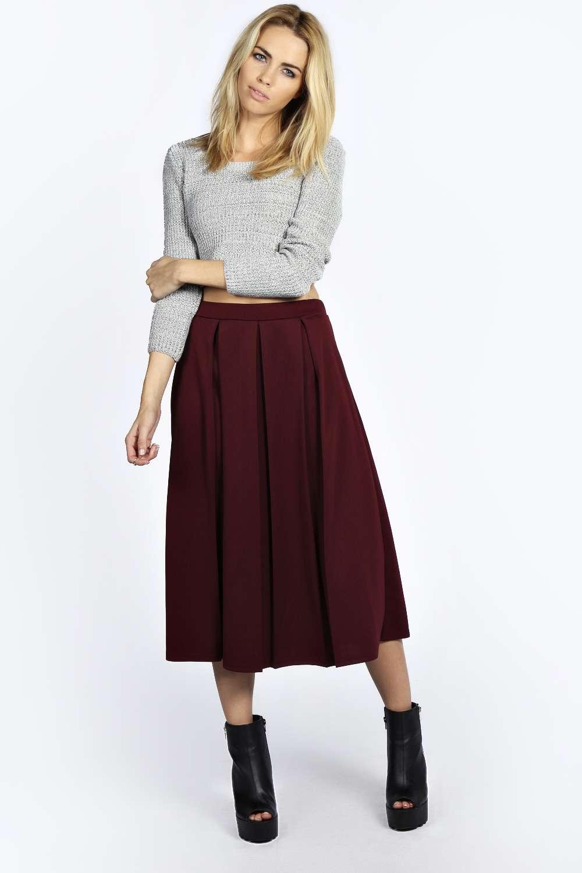 r-burgundy-midi-skirt-grayl-top-crop-wear-outfit-fall-winter-black-shoe-booties-blonde-lunch.jpg